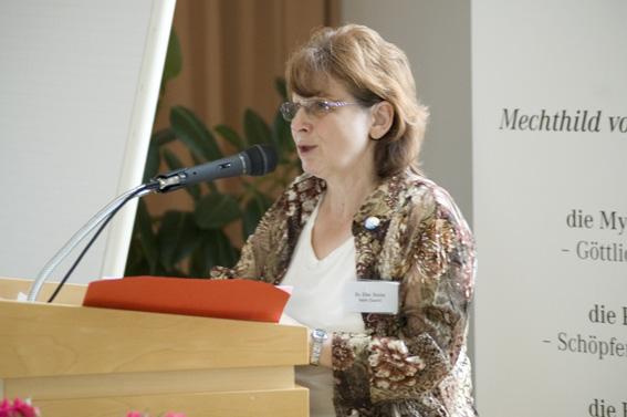 Dr. Elke Stolze