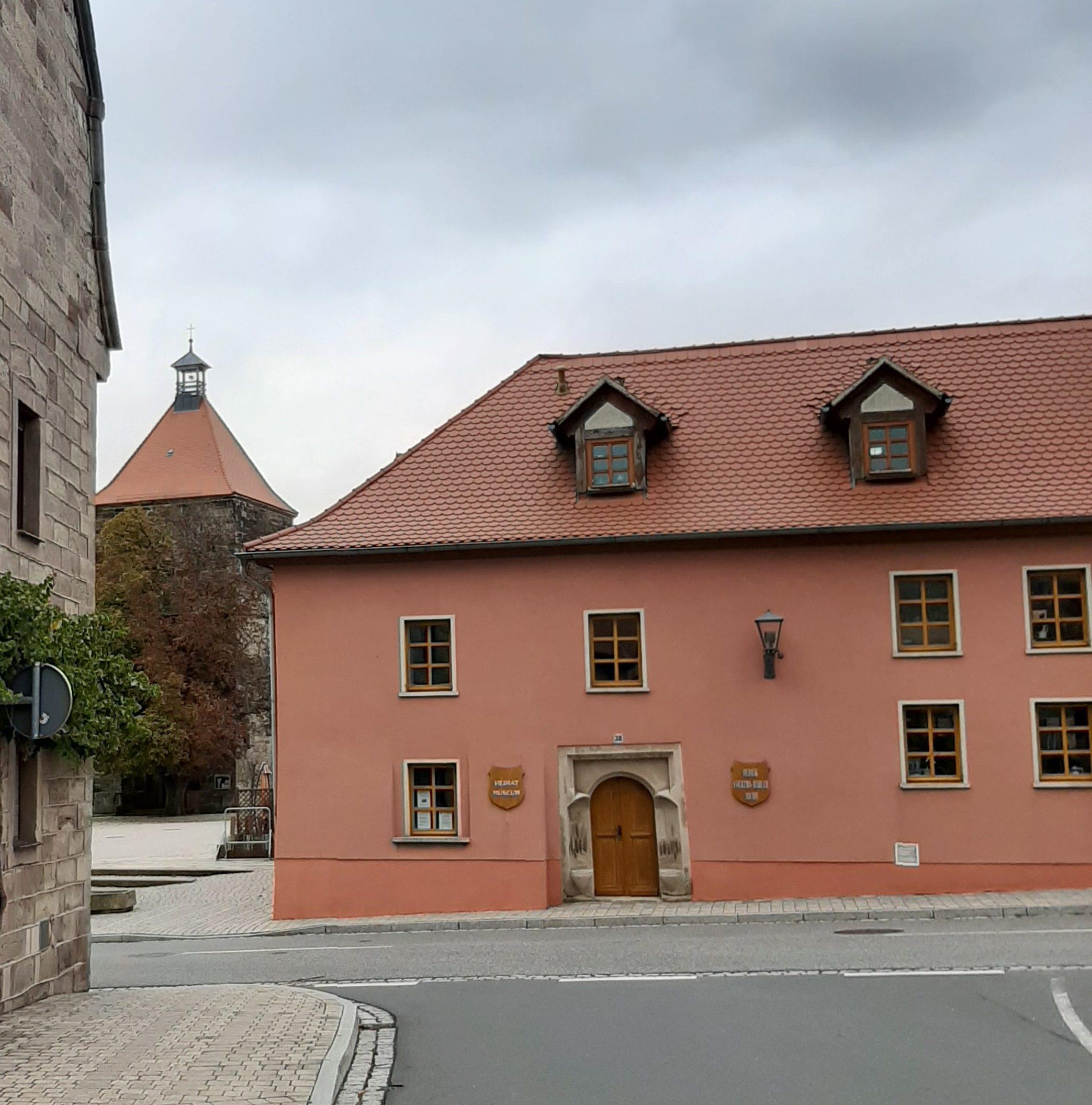 FrauenOrt Nebra Heimathaus mit Hedwig-Courths-Mahler-Archiv
