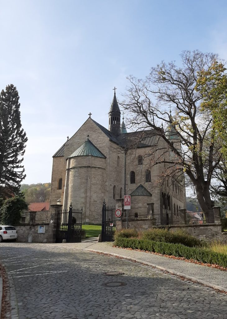 FrauenOrt Gernrode Blick zur Stiftskirche St.Cyriakus