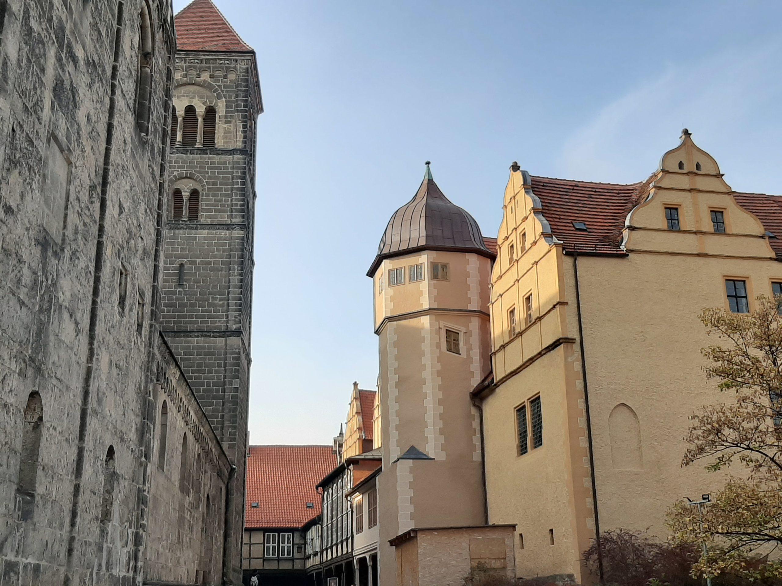 FrauenOrt Damenstift Quedlinburg Blick auf Schloss und Stiftskirche St. Servatii