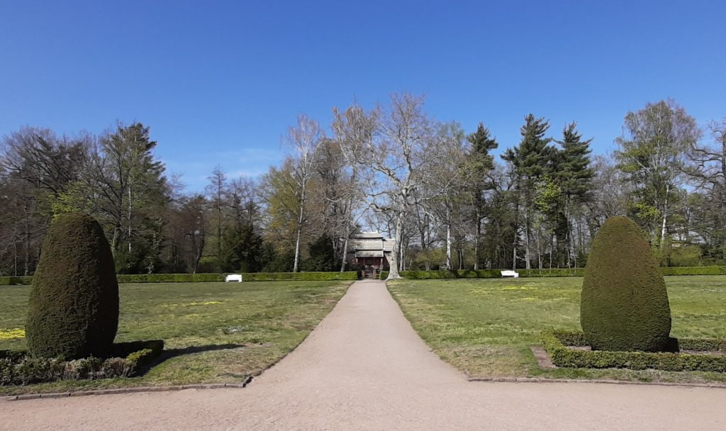 FrauenOrt Schloss Oranienbaum_Park 01
