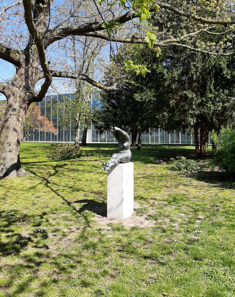 FrauenOrt_Dessau Ehemaliges Landesbehördenhaus_Stadtpark hinterm Bauhausmuseum 04