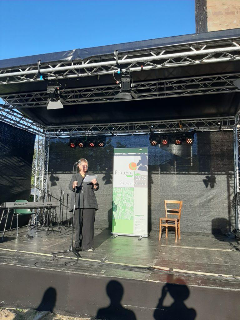 FrauenOrt Unterburg_Vortrag von Frau Luckner_Bien_Foto FrauenOrte